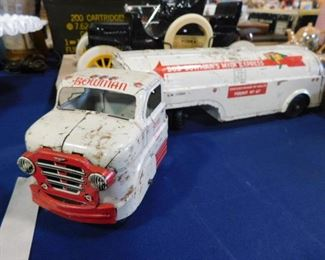 Bowmans Milk 1955 pressed steel truck