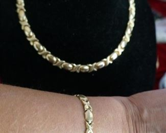 14K Italian gold set heavy, at scrap pricing...WOW!