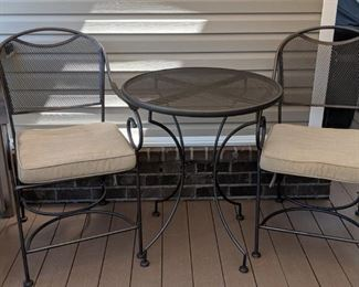 Nice patio table and 2 chairs