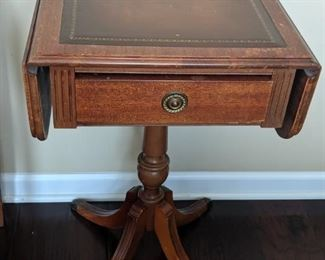 Nice drop leaf side table