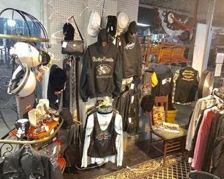 Lots of Harley Davidson items...