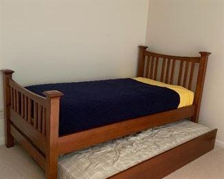 Twin sized trundle bed