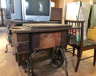 antique sewing maching