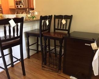 nice barstools and wine cooler