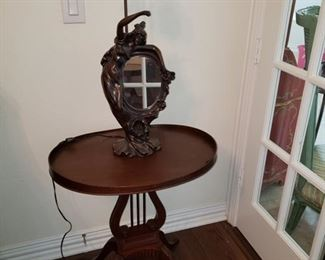 Lyre round table and MCM Lamp
