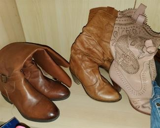 Lots of shoes size 6 to 7