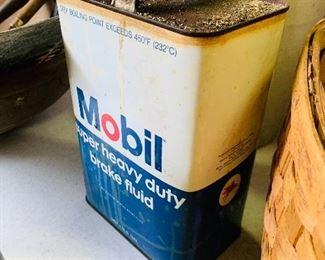 Mobil Oil 2 Gallon Can