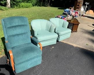 recliner and nice Lazyboy chairs
