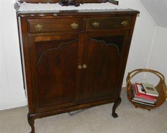 BUY IT NOW $120.00 Antique Oak (circa 1910) Dresser