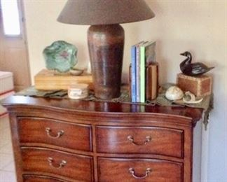 Gorgeous Thomasville 3-Drawer Chest in excellent condition