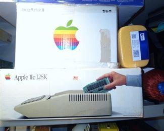 Apple IIe computer