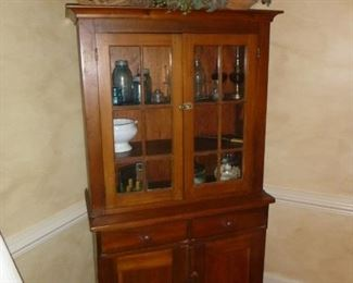 Antique hutch in excellent condition