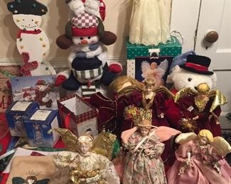 Christmas Decor/Lighted Angel Tree Toppers