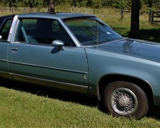 1986 Oldsmobile Cutlass Supreme.  Engine is 307 cubic inches.  Has wire wheel, moon roof, new tires, new paint and new headliner.  Carpet is in great shape.  Nice classic that runs well.