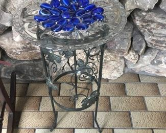 . . . a cute plant stand