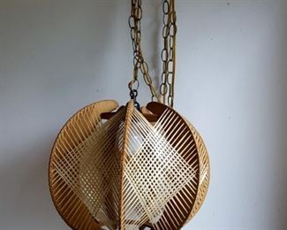 Vintage Swag Light, 1960s String Art Wood and Straw Overhead Ceiling Light with Chain