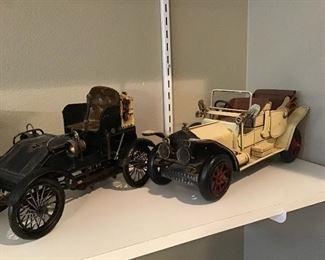 Decorative metal cars