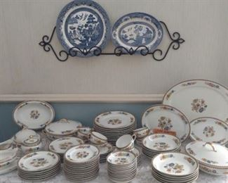 Haviland, Amiens Set of China, Blue Willow