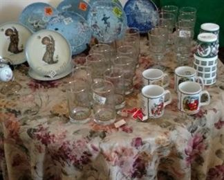 Christmas Decor', Hummel, Haviland and German Plates
