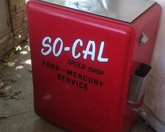 Cool retro outside drink cooler