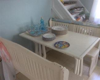 Adorable kitchen set .