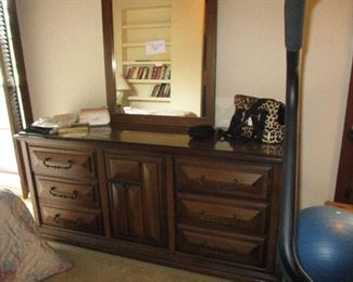 Stanley dresser end tables and mirror