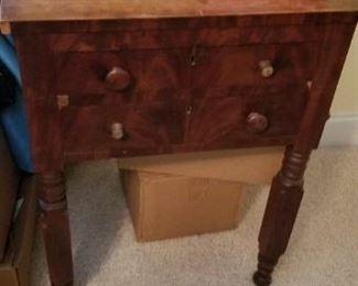 18702-80s turned leg table