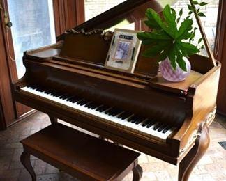 Hallet, Davis & Co. baby grand piano