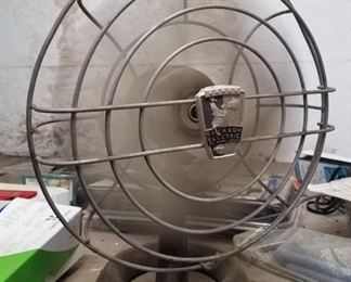 Working Emerson electric oscillating fan
