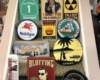 METAL SIGNS COLLECTION