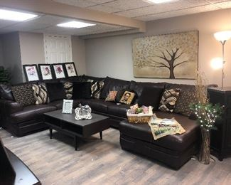 LEATHER SECTIONAL SOFABED