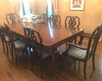 Dining Room Table with 8 Chairs and 1 Leaf