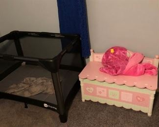 PORTA CRIB - GIRLS TOY BOX