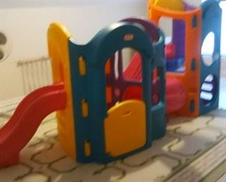 Little Tikes Child's Jungle Gym https://ctbids.com/#!/description/share/214009