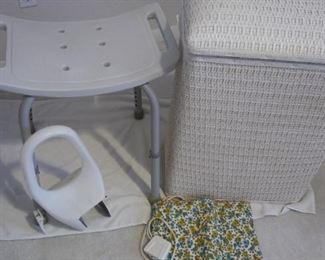 Bathroom Collection #2 https://ctbids.com/#!/description/share/216855