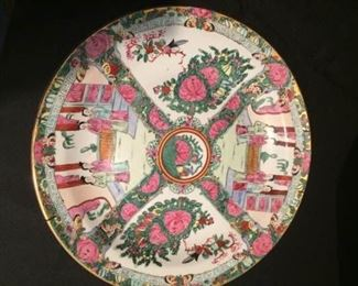 Set of three Asian themed decorative plateshttps://ctbids.com/#!/description/share/212900