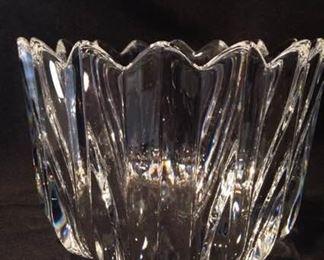Large Orrefors Crystal Bowlhttps://ctbids.com/#!/description/share/212920