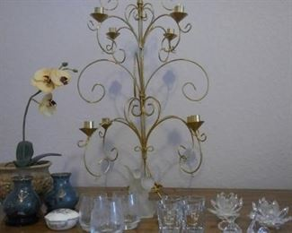 Crystal style glasses and decorations https://ctbids.com/#!/description/share/213179