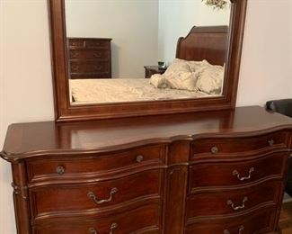 GRAND DOUBLE DRESSER WITH 8 DRAWERS AND MIRROR.  LOOK FOR THE SIDE TABLE THAT MATCHES
