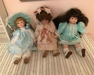 Three More Dolls Two of them play Music