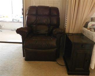 Lift massage chair