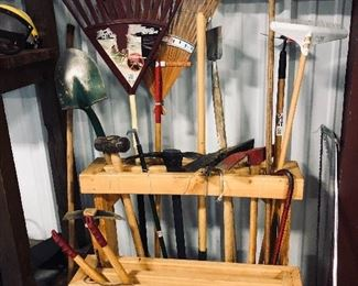 yard tool with stand
