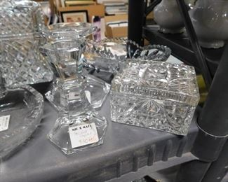 Assorted collectible crystal glassware