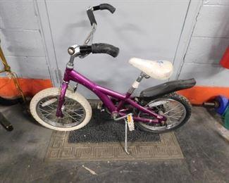 """Girls purple Schwinn 16"""" bike"""