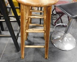 2 Solid wood shabby chic round bar stools