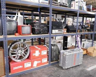 Assorted vintage electronics & auto parts