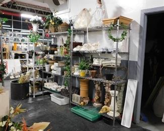 Assorted garden & decor