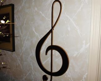 Music symbol wall decor