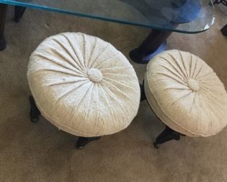Nice extra seating shown rolled out from coffee table