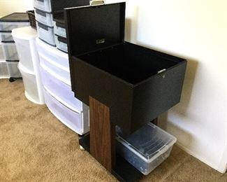 Rolling locking file unit, storage